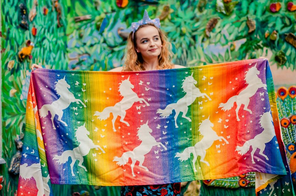 Diso wraps Pride Unicorn – Blink Blink Wrap (viscose) Image