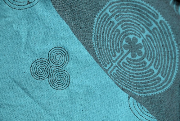 Vatanai Labirinth Eilean Wrap Bourette Silk