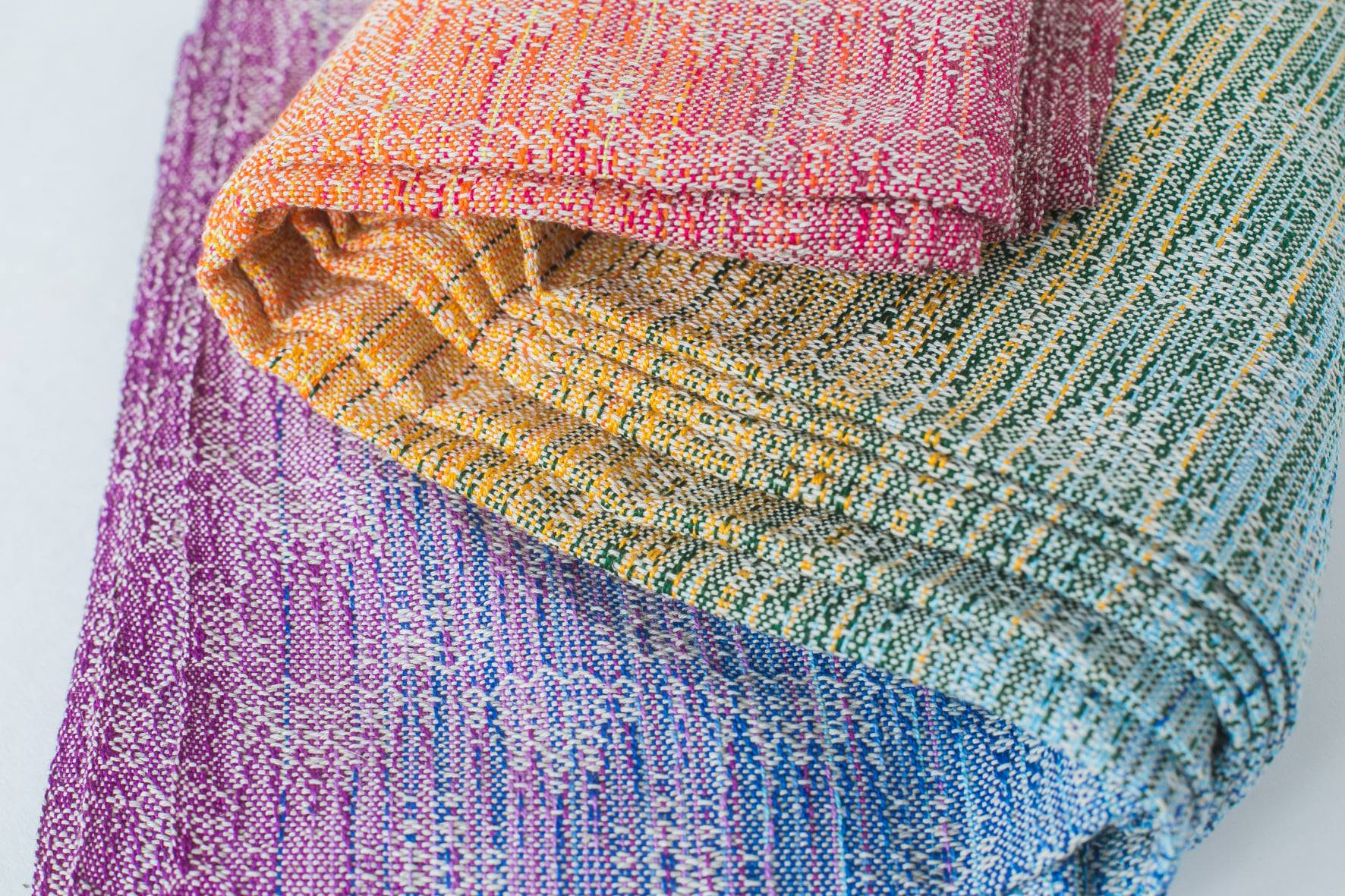 Rainbow cloud crackle weave Neo Rainbow Wrap (linen) Image
