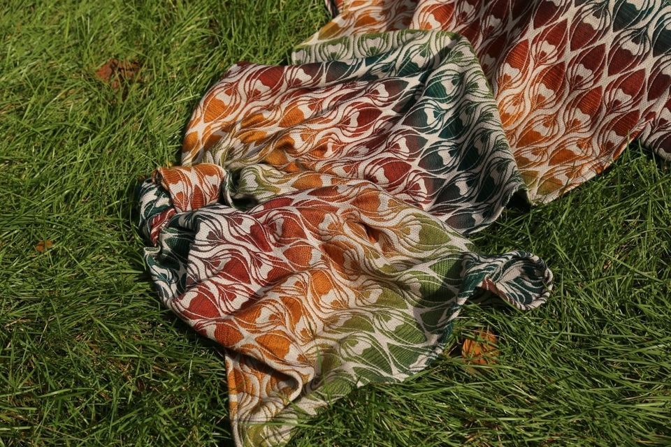 Yaro Slings La Fleur Trinity Maple Rainbow High Wool Wrap (merino) Image